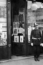 El «infame» asesinato del presidente Canalejas en plena Puerta del Sol