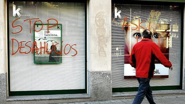 La banca paraliza los desahucios durante los dos próximos años en casos «de extrema necesidad»