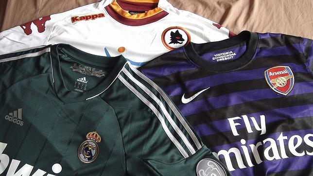 El negocio de las camisetas de fútbol falsas en Tailandia - ABC.es f711b5517c375
