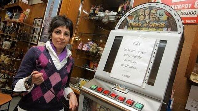 La propietaria de un bar italiano apaga las máquinas tragaperras «porque arruinan a la gente»