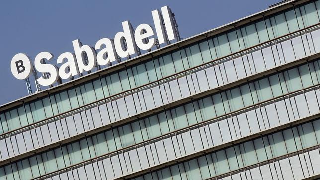 Banco sabadell logra 963 voluntarios para el ere de banco for Pisos de banco sabadell