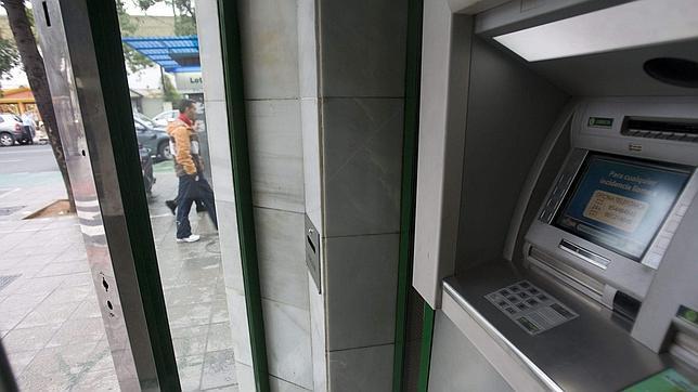 Consejos para sacar el m ximo partido al dinero que tienes en tu banco for Dinero maximo cajero