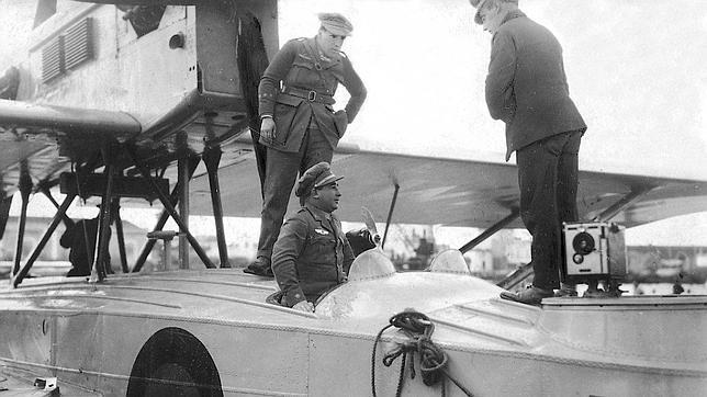 Ramón, el hermano de Franco que batió dos récord mundiales de aviación