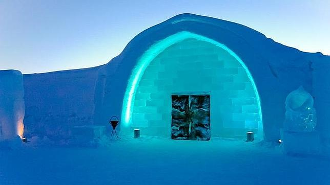 ice hotel en suecia. Black Bedroom Furniture Sets. Home Design Ideas