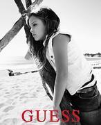 La hija de la conejita de Playboy Anna Nicole Smith, nueva imagen de Guess