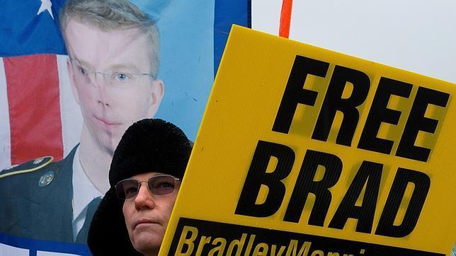 Protesta En Favor De La Libertad De Bradley Manning Mladen Antonov