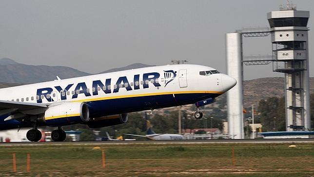 Ryanair reduce sus operaciones un 35% en Madrid y un 23% en Barcelona «por el incremento de las tasas» aéreas