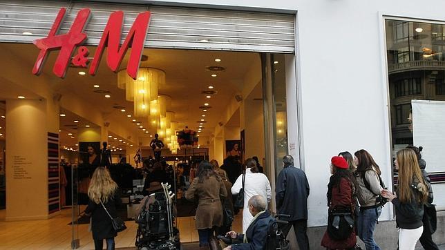 1184168d H&M recogerá ropa usada de sus clientes a cambio de un vale descuento