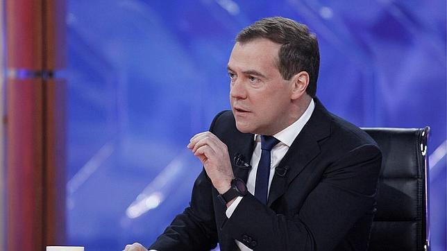 Medvedev se confiesa cree que hay aliens en la Tierra y que Papá Noel existe