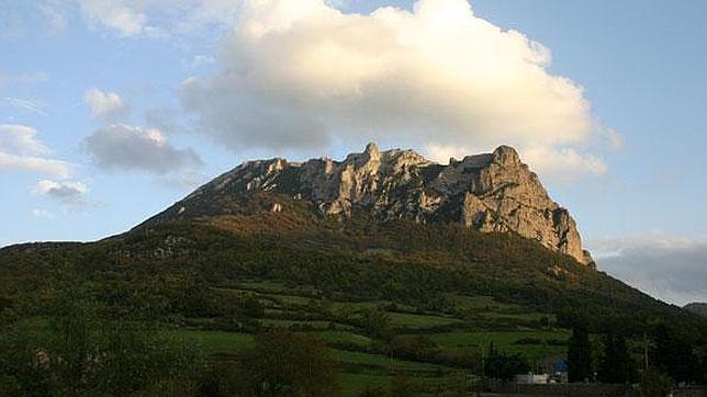 El enigma del pico de Bugarach, el único lugar que sobrevivirá al fin del mundo