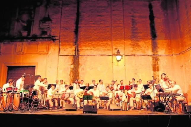 Capachos propone un viaje por las canciones en lengua española