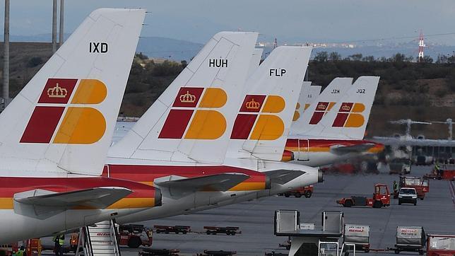 El Gobierno pide a IAG un plan a largo plazo que garantice el futuro de Iberia