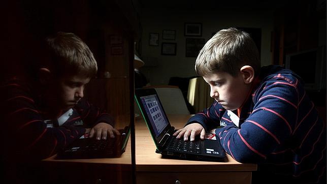 http://www.abc.es/medios-redes/20121212/abci-hijos-menores-redes-sociales-201212121417.html