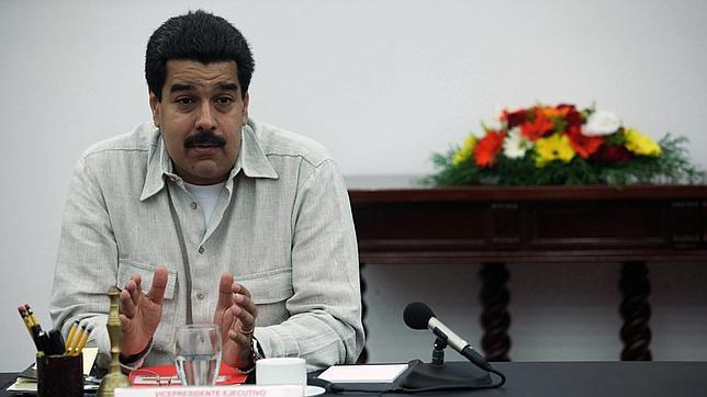 Maduro pide a Dios que consolide «el avance favorable» de Chávez