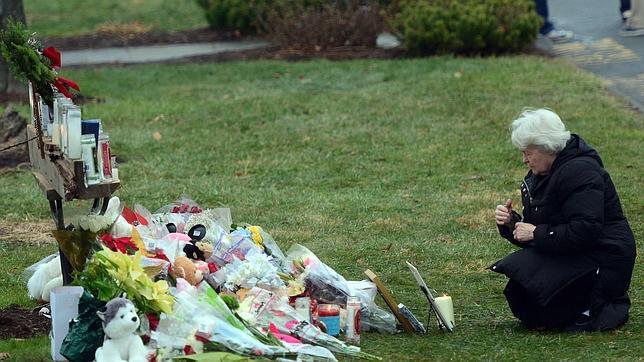 El autor de la matanza de Newtown se suicidó en cuanto escuchó llegar a la policía