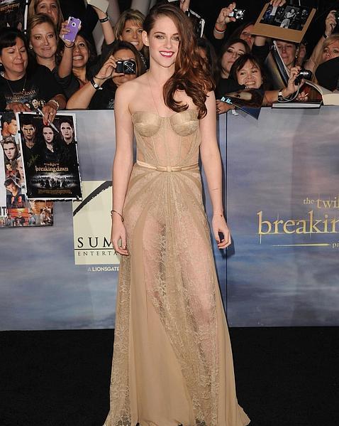 Kristen Stewart dona su vestido más polémico a los afectados por el huracán Sandy