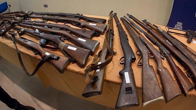Detenido en el vendrell un falso anticuario con un arsenal for Pisos en el vendrell
