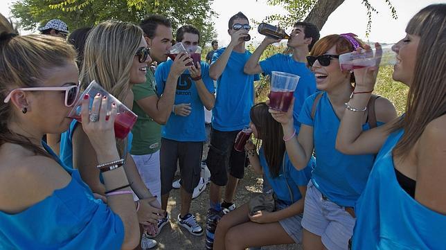 Más de la mitad de las universitarias bebe para emborracharse en tiempo récord