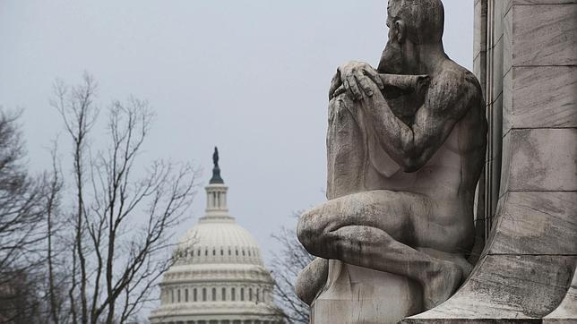 El Senado de EE.UU. retomará este lunes por la mañana las negociaciones para esquivar el «abismo fiscal»