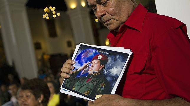 Chávez se encuentra «batallando duro» por su vida