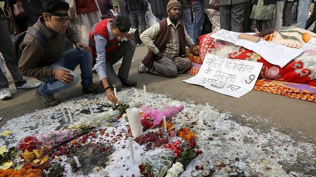 Imputados por violación en grupo y asesinato los asaltantes de la joven india
