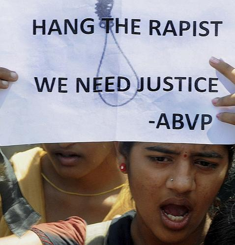 Imputados los cinco detenidos por la violación y asesinato de la joven india