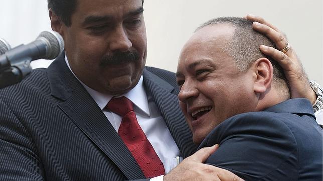 La oposición exige ya que Cabello sustituya a Chávez
