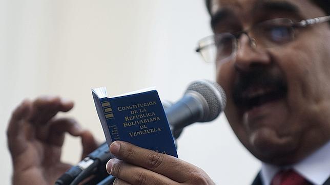 Maduro extiende su poder manipulando la mitología creada en torno a Chávez