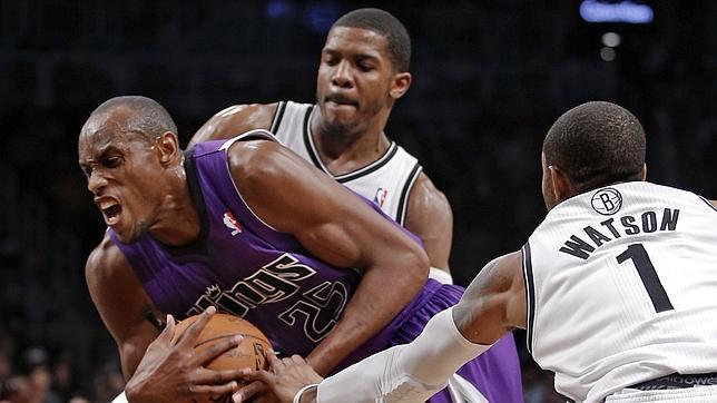 Los propietarios de los Sacramento Kings venden el equipo a Seattle
