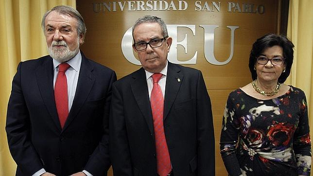 Mayor Oreja: La vanguardia de la ruptura nacionalista está ahora en Cataluña
