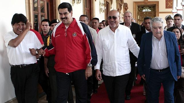 Chávez inicia su cuarto mandato desde 1999 sin tomar posesión por su enfermedad