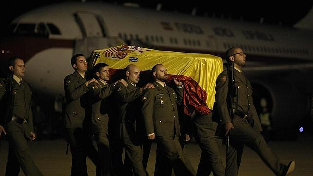 Llegan a España los restos mortales del sargento fallecido en Afganistán