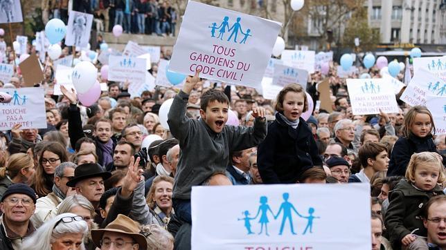 Francia se manifiesta contra el proyecto de Ley que legalizaría el matrimonio gay