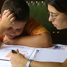 Los diez errores de los padres cuando hacen los deberes con los hijos