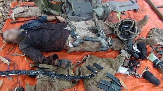 Al Shabab presenta pruebas del soldado francés muerto, pero no del rehén vivo