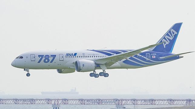 Continúan los problemas para los aviones Boeing 787