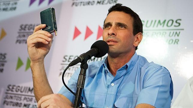 Capriles revisará el nombramiento de Jaua para saber si lo firmó Maduro