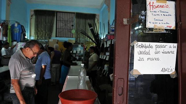 El régimen cubano confirma al menos medio centenar de casos de cólera en La Habana
