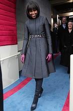 Michelle Obama y su look de Thom Browne inspirado en las corbatas