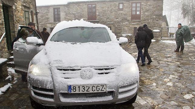 Educación suspende las clases en la montaña gallega a causa de la nieve