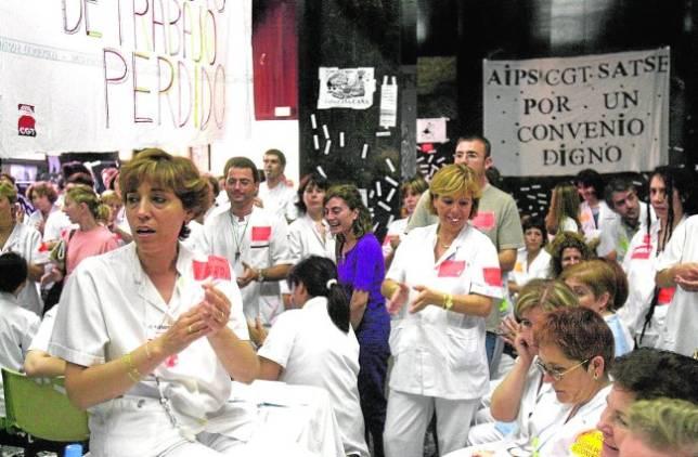 Los médicos tachan de «desmesurados» los servicios mínimos de los paros de hoy