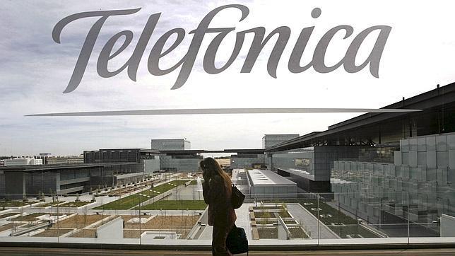 Bruelas multa a Telefónica y Portugal Telecom con 79 millones por un pacto de no competencia