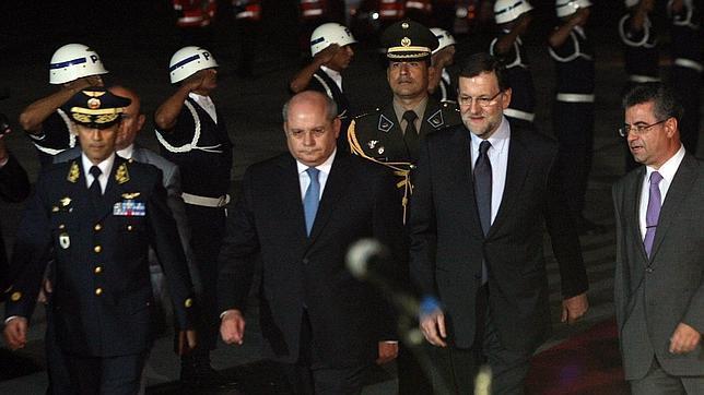 Rajoy llega a Lima y se verá con Humala para abrir vías a empresas españolas