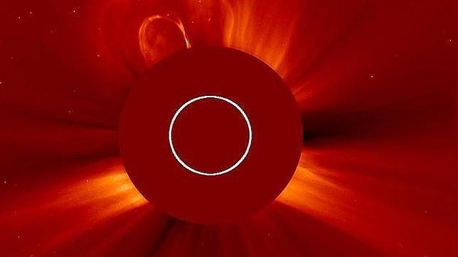 El Sol envía una erupción hacia la Tierra