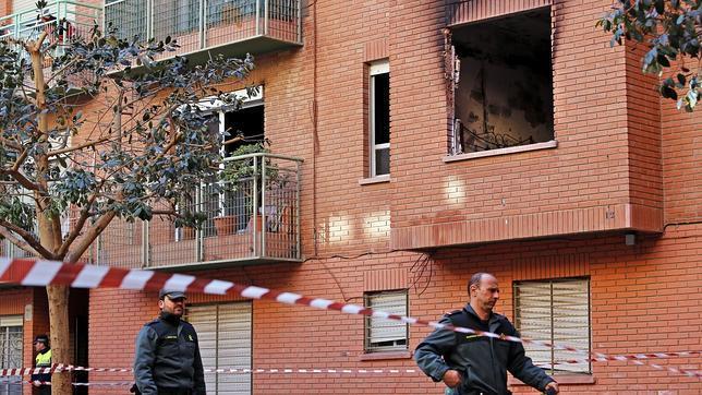 Una mujer muerta y sesenta vecinos evacuados en un incendio en Paiporta