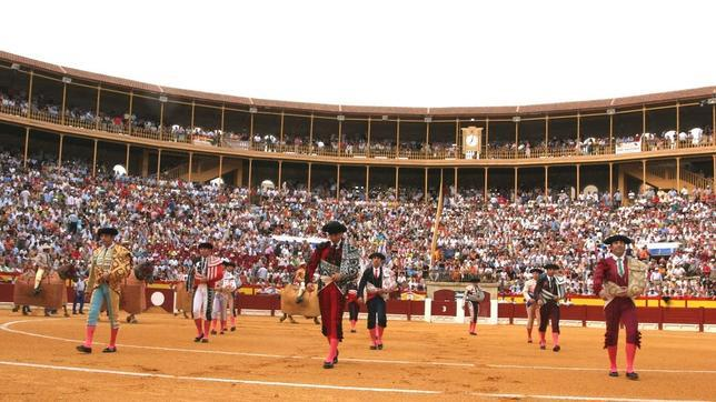Resultado de imagen de plaza de toros de Alicante