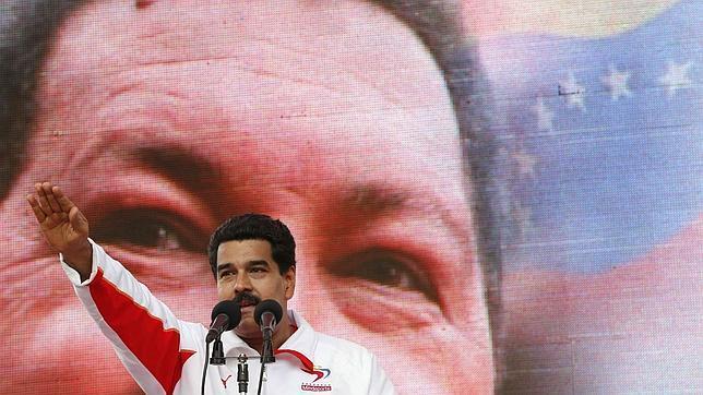 La extrema debilidad de Hugo Chávez le impide su viaje a Caracas