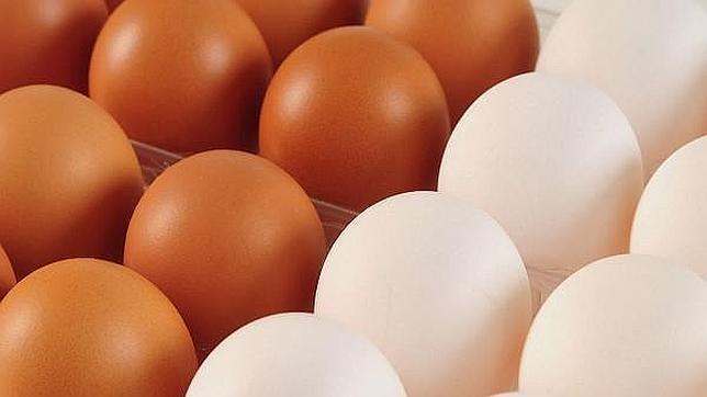 La extraña desaparición de los huevos blancos de los mercados