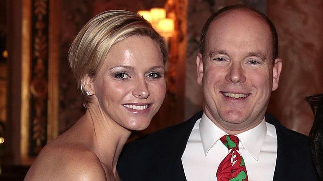 El príncipe Alberto y Charlene, ¿un matrimonio demasiado libre?