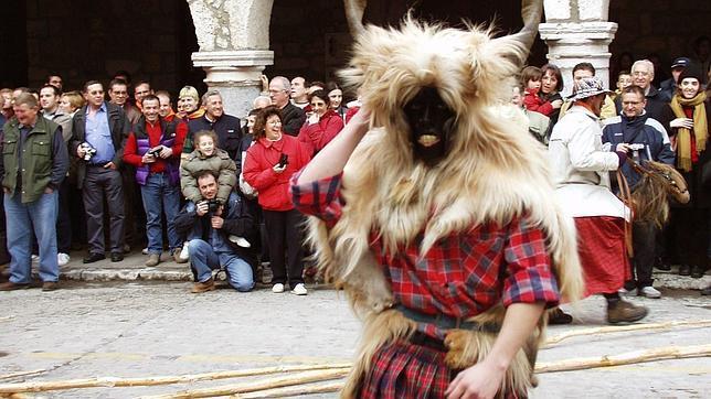Los doce mejores carnavales españoles para olvidar la realidad
